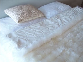 Bowron Sheepskin Bed Throw - Ivory