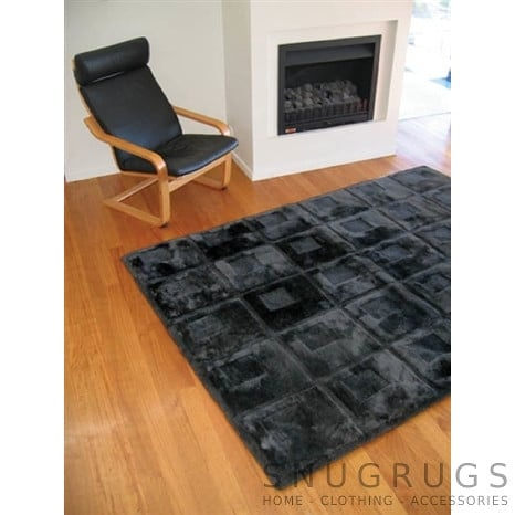 Bowron Orbit Shearling Rug - Black