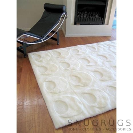Bowron Solar Shearling Rug - White